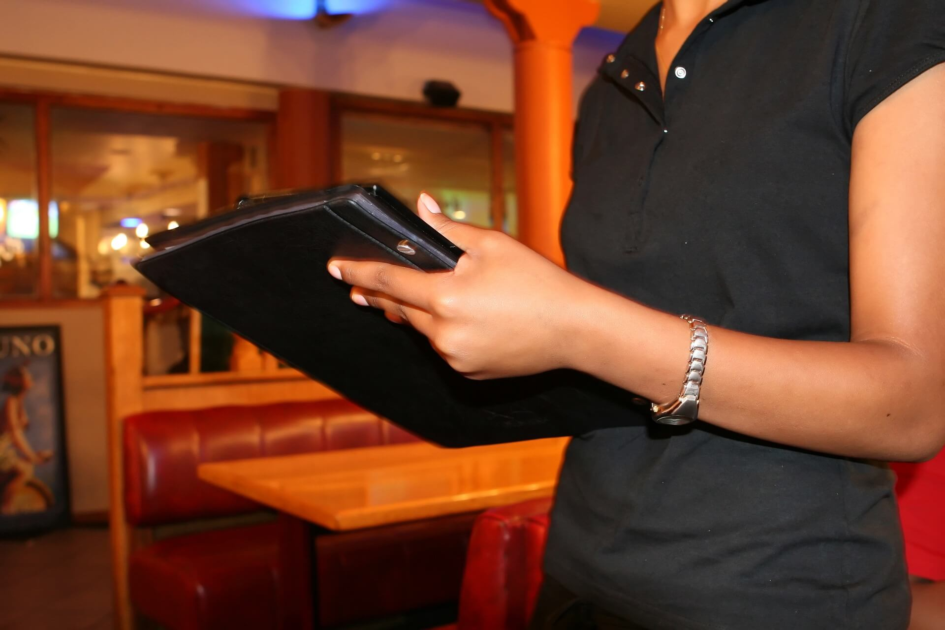 Camarera de bar, cafetería o restaurante